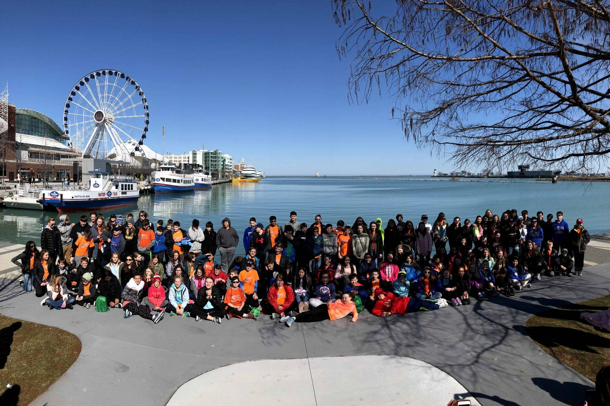 Chicago skyline group picture on a student tour
