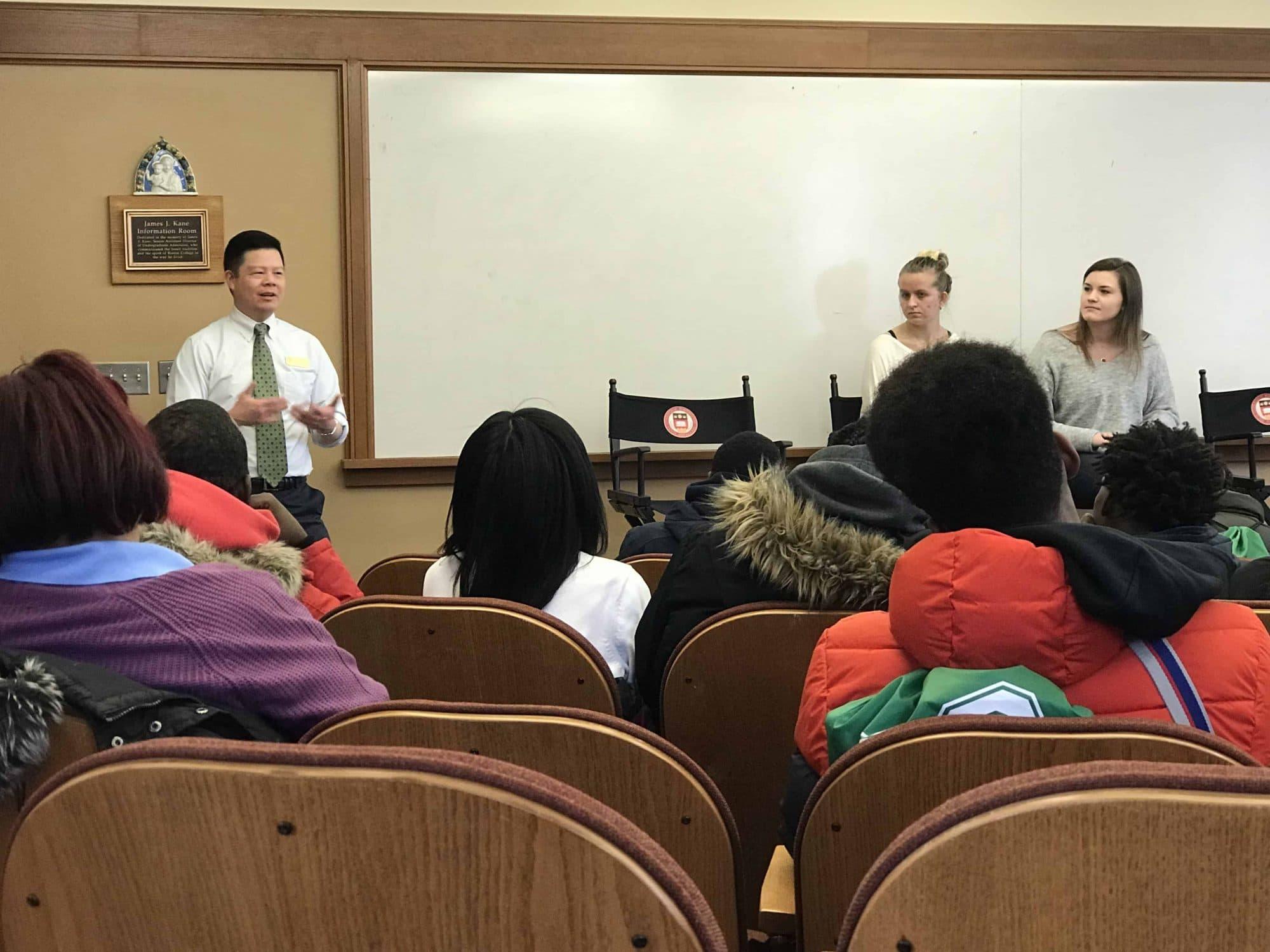 Customized Campus Tour Program